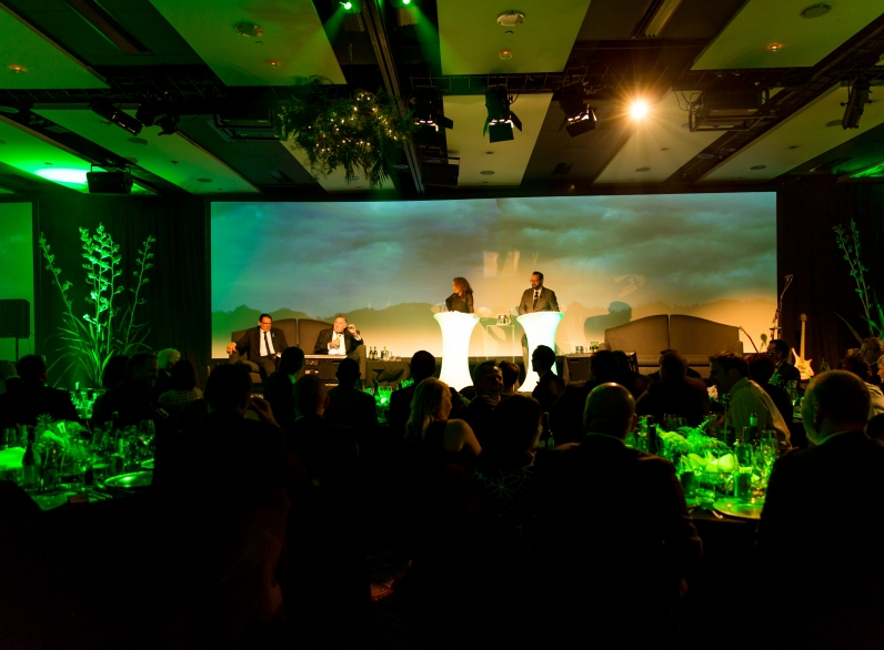 Buck Shelford & Sir Colin Meads with Melodie Robinson & Scotty Stevenson, Lion Black Tie Dinner, Pullman Hotel, Auckland